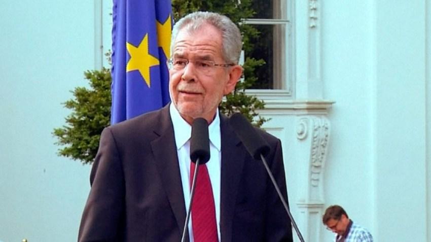 El presidente austríaco nombró un nuevo canciller, un día después de la renuncia de Kurz