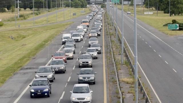 La Autovía 2 registraba un tránsito intenso en las zonas de Sevigne, Lezama y Chascomús.