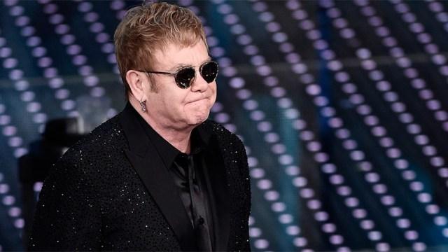 Elton John estuvo en el Rose Ball de Pasadena