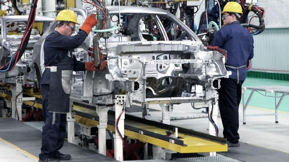 La industria automotriz se deberá adecuar a la utilización de energías limpias.