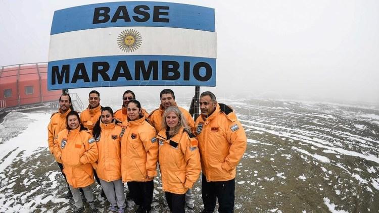 En Marambio hay una dotación de 56 personas. Está conectada todo el año vía aérea al continente.