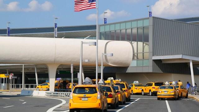 El crecimiento de la varible Delta provocó que se prorroguen las restricciones de viaje en EEUU