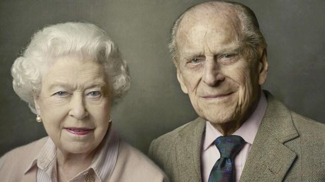 """La reina Isabel II dijo sentir """"un gran vacío en su vida"""", tras la muerte de su esposo el príncipe Felipe, a los 99 años (EFE)"""