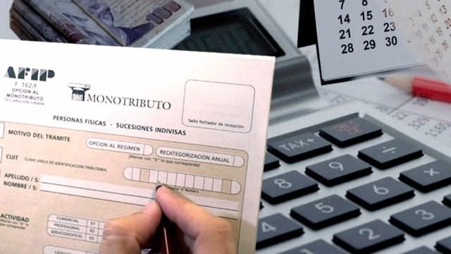 La reforma del régimen de Monotributo propone actualizar los topes de cada categoría y crea un puente para facilitar el ingreso de contribuyentes al régimen general.