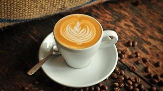 El invierno suele ser la temporada de alto consumo de café en bares, con una suba de un 20%.