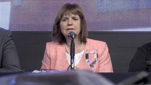 Bullrich se dirigió a Tierra del Fuego a apoyar al candidato Héctor Stefani (Archivo).