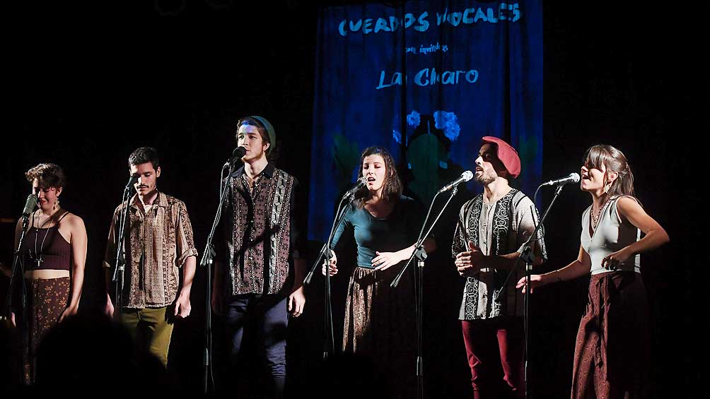 5ce038bb7b0be - Cuerdos Vocales mostró la excelencia de su folclore urbano junto a La Charo