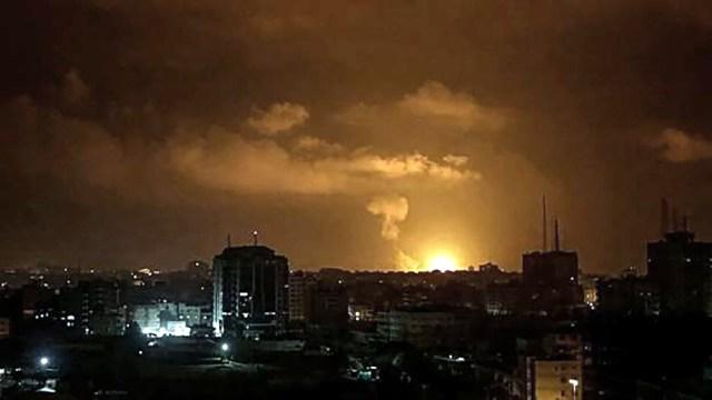 """La agencia palestina de noticias Maan dijo que """"la resistencia en la Franja de Gaza lanzó una andanada de cohetes contra la Jerusalén ocupada""""."""