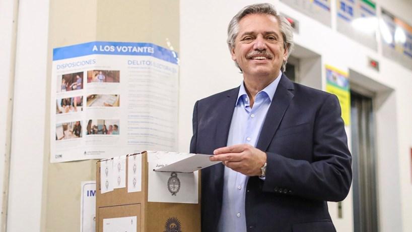 La última palabra en la confección de la lista de precandidatos a diputados nacionales por la provincia de Buenos Aires quedará en manos del binomio Fernández-Fernández.