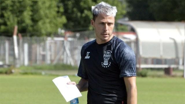 Damonte dirigió su primer entrenamiento como entrenador de Huracán - Télam  - Agencia Nacional de Noticias