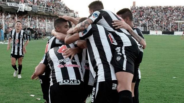 """Central Córdoba abre la Copa de la Liga como local ante el """"Sabalero"""""""