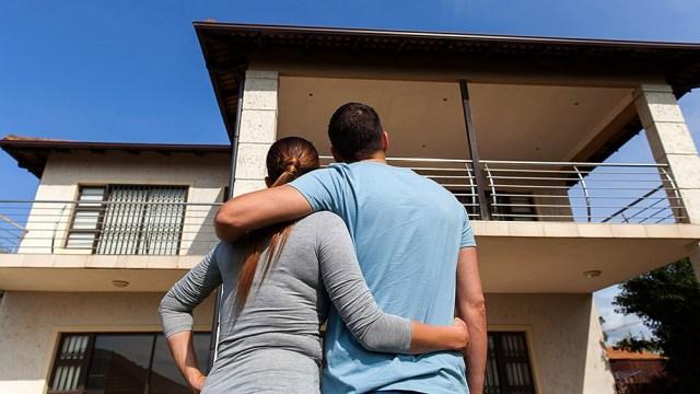 Buscan que la cuota mensual resultante no exceda el 35 por ciento del ingreso del grupo familiar del deudor