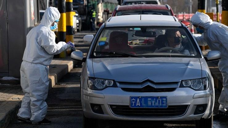 El Gobierno chino busca despegarse de la responsabilidad que que se le atribuye en la epidemia