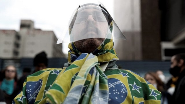 Al menos siete capitales de los 27 estados de Brasil, incluidas grandes ciudades como Belo Horizonte y Porto Alegre, interrumpieron la aplicación de la segunda dosis de la vacuna china CoronaVac