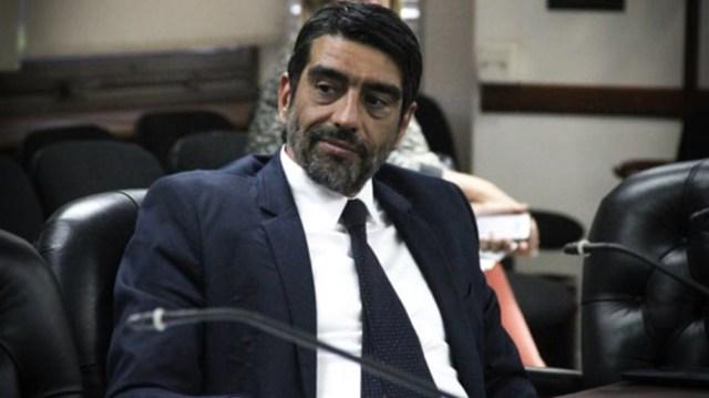 """Para el legislador """"hay elementos de sobra"""" para que la Justicia convoque al expresidente."""
