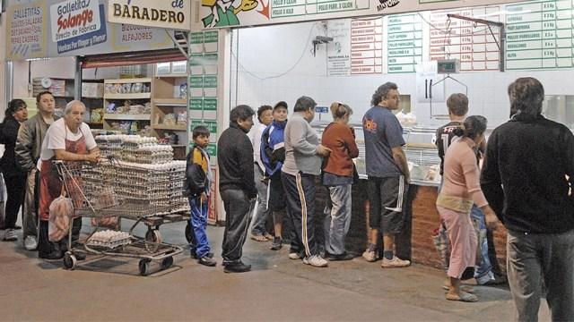 """En el Mercado Central """"se hace un control del stock"""" que llega en el marco del acuerdo que alcanzó el Gobierno con frigoríficos exportadores."""