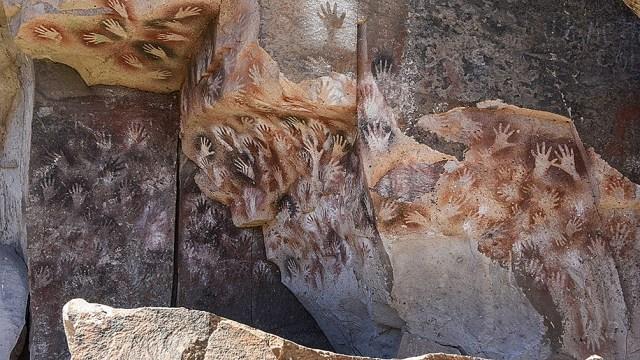 Pinturas de más de 9.000 años de la Cueva de las Manos, en Santa Cruz. (Crédito: Diego Nasello)