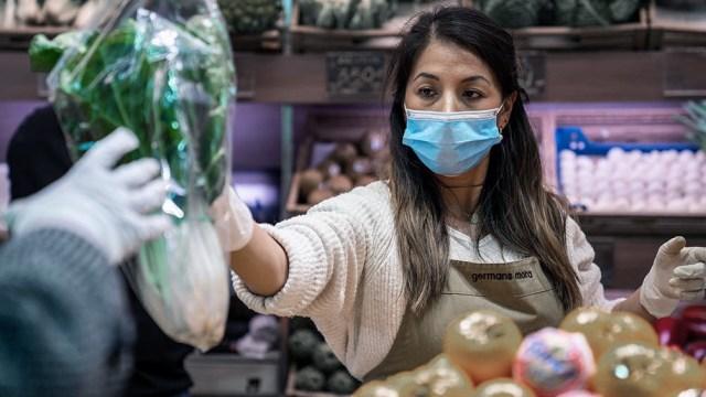 En Cataluña se registraron en las últimas 24 horas 1.044 contagios confirmados y 13 muertes.