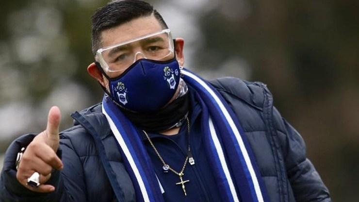 Maradona no podrá dirigir a Gimnasia en su debut en el campeonato de Primera División frente a Patronato en La Plata.