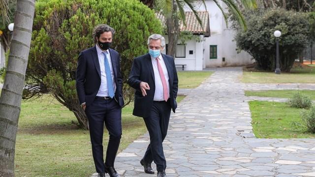 El Presidente está reunido en Olivos con sus colaboradores más cercanos, evaluando nuevas medidas ante la pandemia.