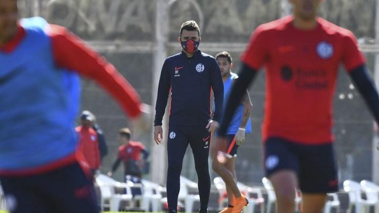 Mariano Soso todavía no debutó en el banco de San Lorenzo.