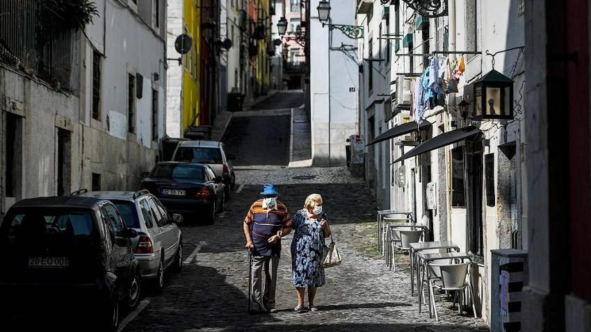 En Portugal recomendaron el uso de mascarilla en la vía pública