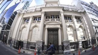 El martes de la semana pasada el Banco Central anunció nuevas regulaciones para acceder al mercado de divisas