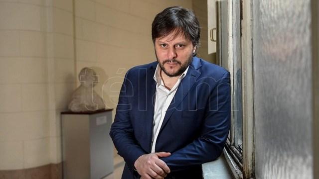 """Leandro Santoro afirma que en CABA hay que """"repensar los valores que motivan las políticas públicas"""" con la ecología y la educación."""
