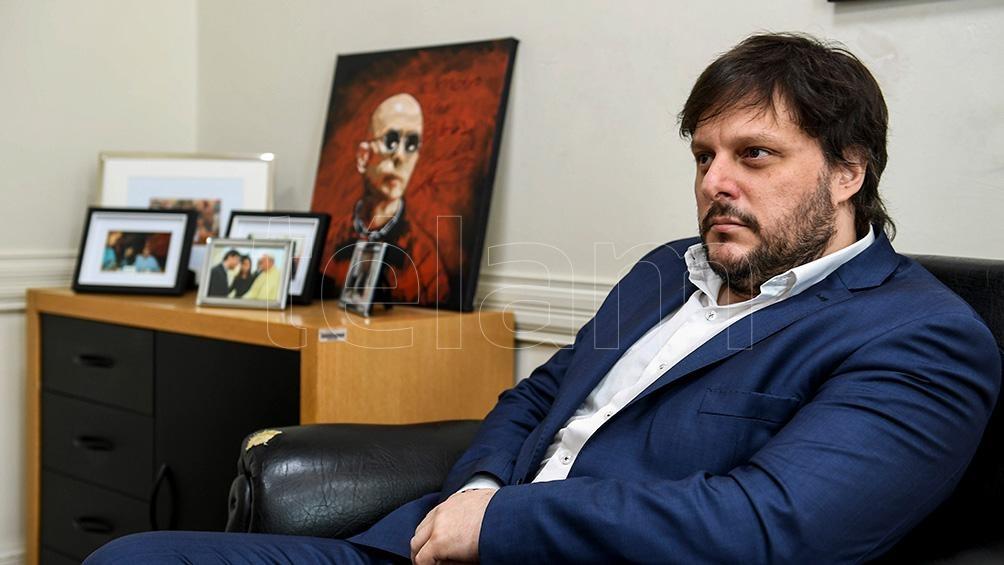 Una de las figuras que resuena en el FdT es la del legislador porteño Leandro Santoro, quien podría postularse para intentar sumar para el oficialismo nacional una banca más por la ciudad de Buenos Aires