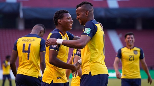 """Ecuador goleó a la """"Celeste"""" y se recuperó de la derrota ante Argentina (foto: @latri)"""