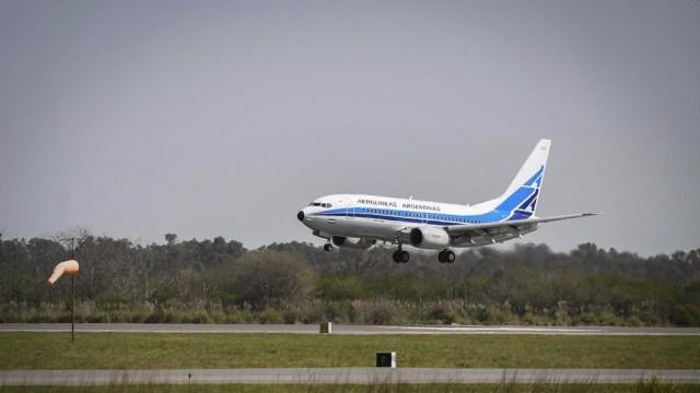 Mientras Aeroparque se encuentre cerrado por obras, los vuelos despegarán y aterrizarán en Ezeiza.