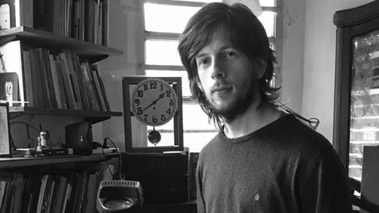 Federico Ruvtiuso, el ilustrador del texto.