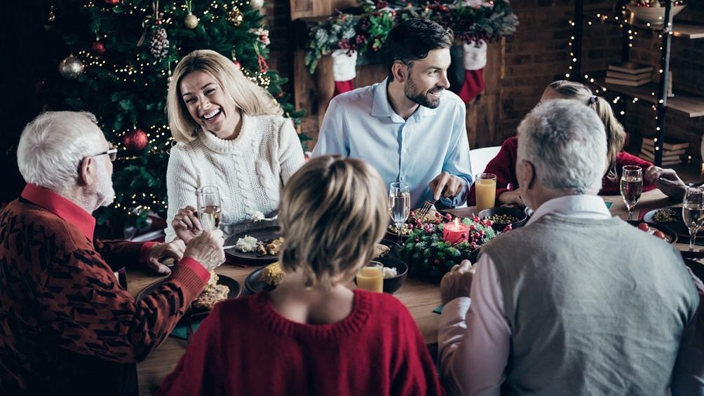Se permitirían las cenas navideñas con familiares, siempre y cuando el índice de transmisibilidad Rt se ubique por debajo de 1