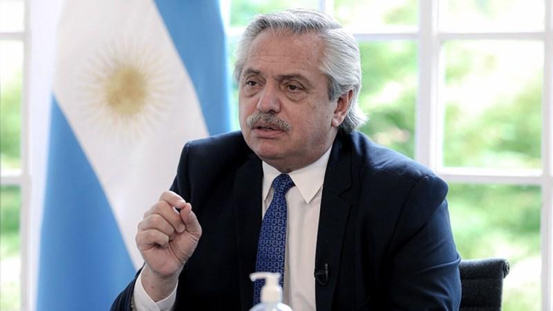 Fernández anunció que la compra de las vacunas rusas ya tiene fecha