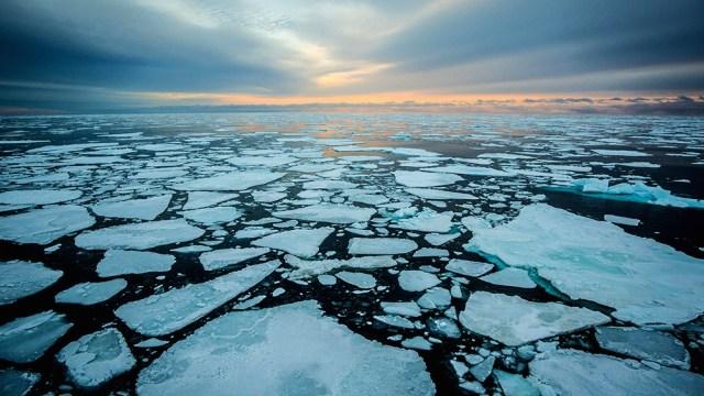 El hielo en las zonas costeras del Ártico se está derritiendo hasta el doble de rápido de lo que se estimaba anteriormente.