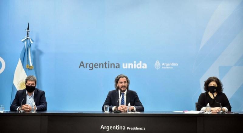 Matías Lammens, Santiago Cafiero y Carla Vizzotti, en la conferencia de prensa de este mediodía.