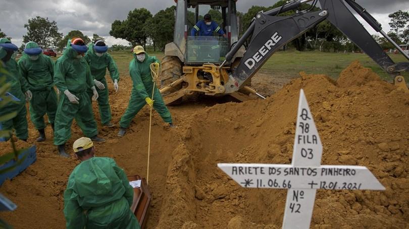 Esta variante, según el nuevo estudio brasileño-británico, surgió en Manaos en noviembre.