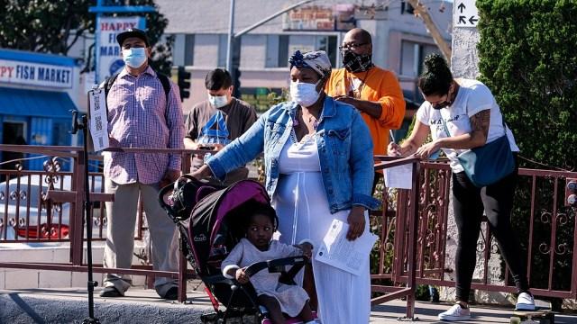 Alrededor del 75% de los mayores de 65 años ya recibieron al menos una dosis de las vacunas contra el coronavirus en EEUU.