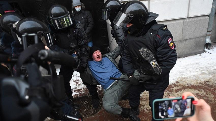 El gobierno ruso desplegó a sus fuerzas y varios simpatizantes de Navalny fueron detenidos.