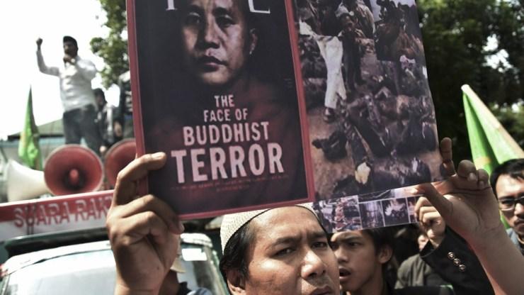 Desde el golpe de Estado, el país se vio sumido en protestas reprimidas, huelgas y conflictos armados en la frontera.