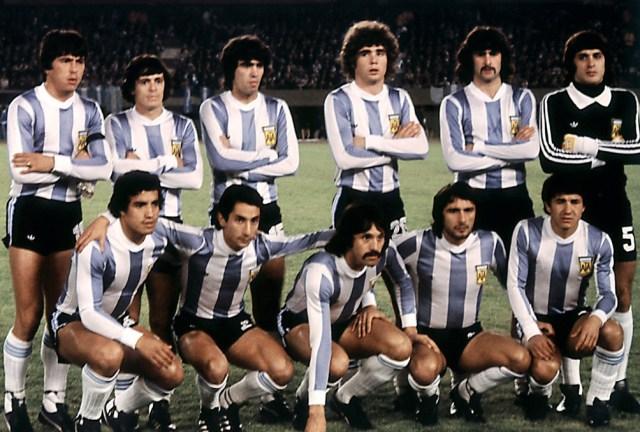 Argentina en el Mundial 78, antes de enfrentar a Francia: Passarella, Houseman, Galvan, Tarantini, Kempes, Fillol, Gallego, Ardiles, Luque, Valencia y Olguiín.