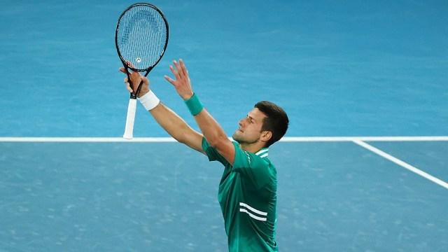 El serbio Novak Djokovic (1) jugará este lunes contra el chileno Cristian Garín (17)