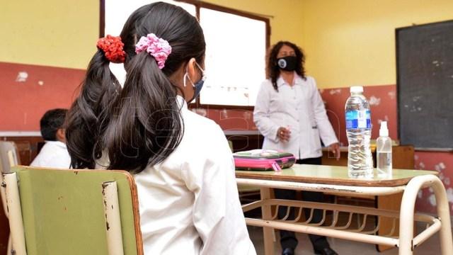 El inicio del ciclo lectivo en plena pandemia en algunos países de América revivió el debate sobre la modalidad de las clases.