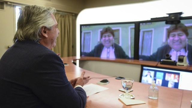 Alberto Fernández mantuvo una videoconferencia, desde la residencia de Olivos, con Evo Morales, el senador Leonardo Loza y el diputado Gualberto Arispe Maita.