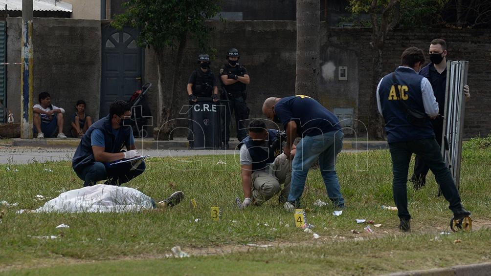Cuatro personas en dos motos acribillaron a Marcelo Procopp, mientras iba en el cortejo fúnebre de su hermano.