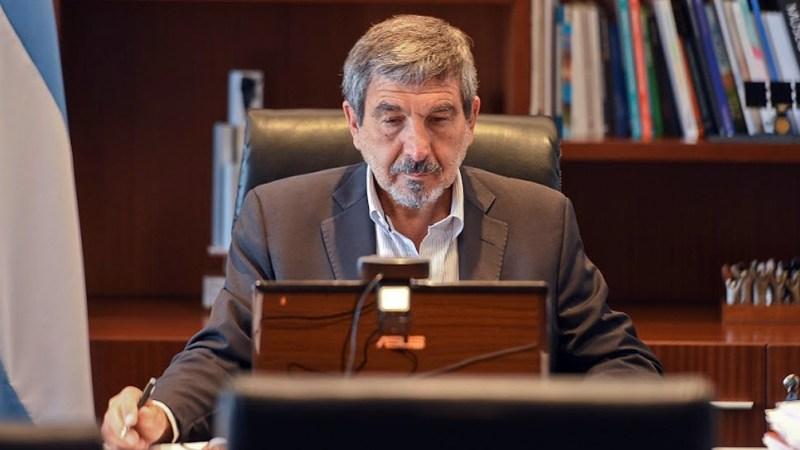 Salvarezza, consultado sobre la expansión de la variante Delta, aclaró que no circula en nuestro país