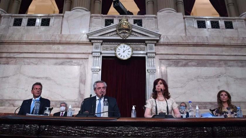 Alberto Fernández durante su discurso ante la Asamblea Legislativa.