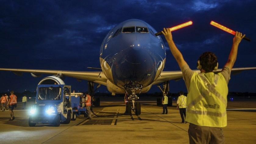 La Argentina superó los 4 millones de vacunas contra el coronavirus con la llegada de un nuevo vuelo de Aerolíneas Argentinas proveniente de Moscú.