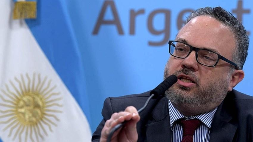 """""""Una computadora y un celular son hoy un producto de primera necesidad"""", argumentó el ministro Matías Kulfas."""