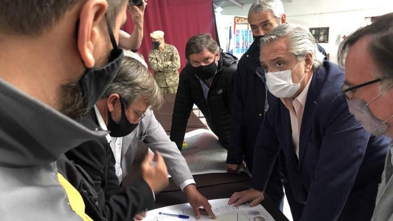 Cinco detenidos por la agresión a la comitiva presidencial en Chubut -  Télam - Agencia Nacional de Noticias